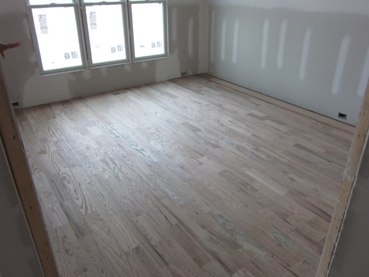 Hewn And Hammered How To Choose The Best Oak Wood Flooring Services